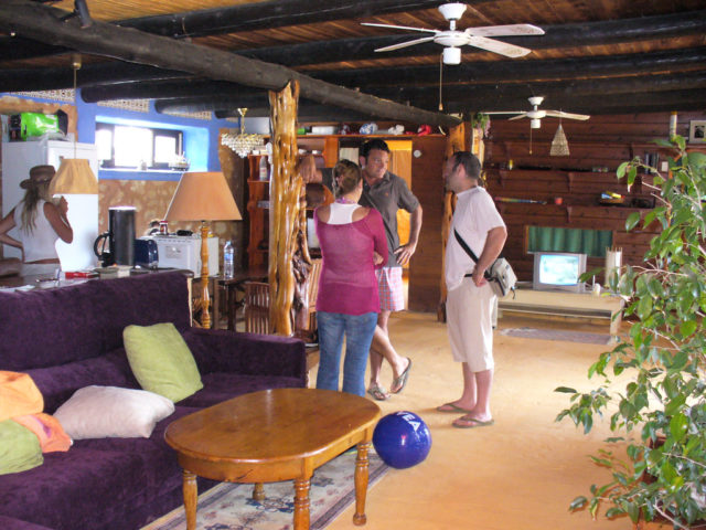 How to feng shui your home room by room the log home - Feng shui accessories home ...