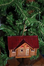log-home-christmas-tree-ornament.jpg