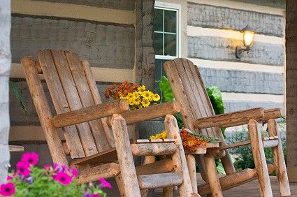 log-home-rocking-chairs-on-the-porch