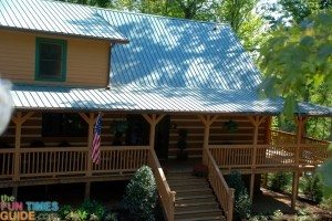 log-home-wraparound-porch