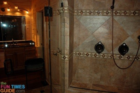 separate-shower-tub