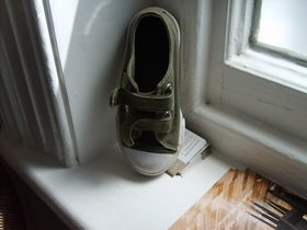shoe-art-on-windowsill-by-hotplate-arts.jpg
