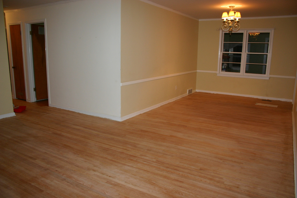Dustless hardwood floor refinishing pros cons the for Wood floor refinishing