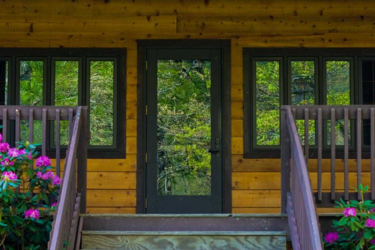 How to choose the right doors for your home the log home for Home with windows