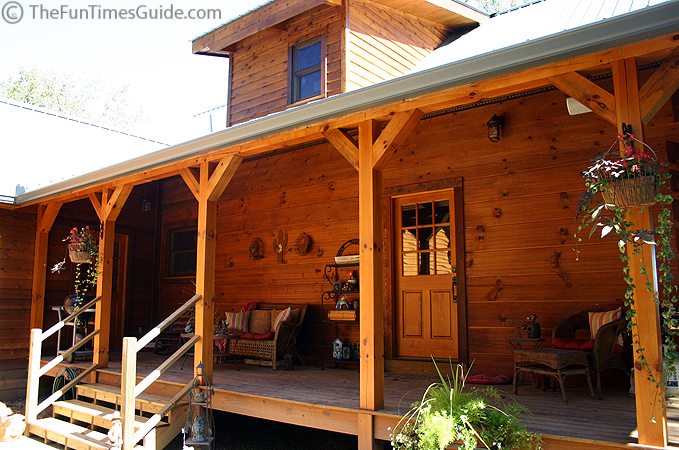 Lonnie and sherry 39 s log home the log home guide for Log home porches