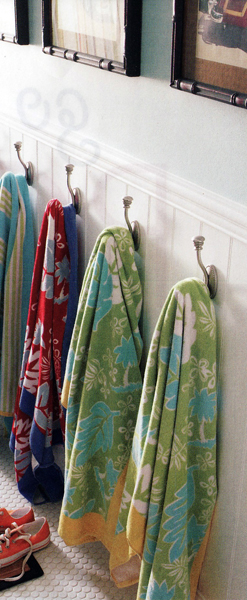 Towel Hooks Amp Hangers For Bathroom Towels And Robes The