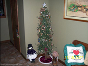 moms-rustic-lodge-christmas-tree.jpg